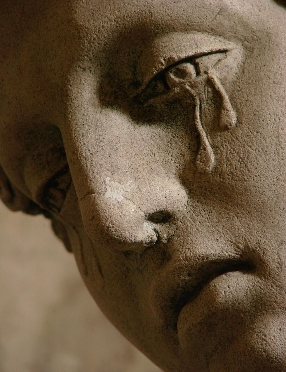 sad-sculpture